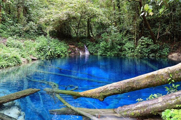 Kaco, Danau Indah dan Misterius di Indonesia