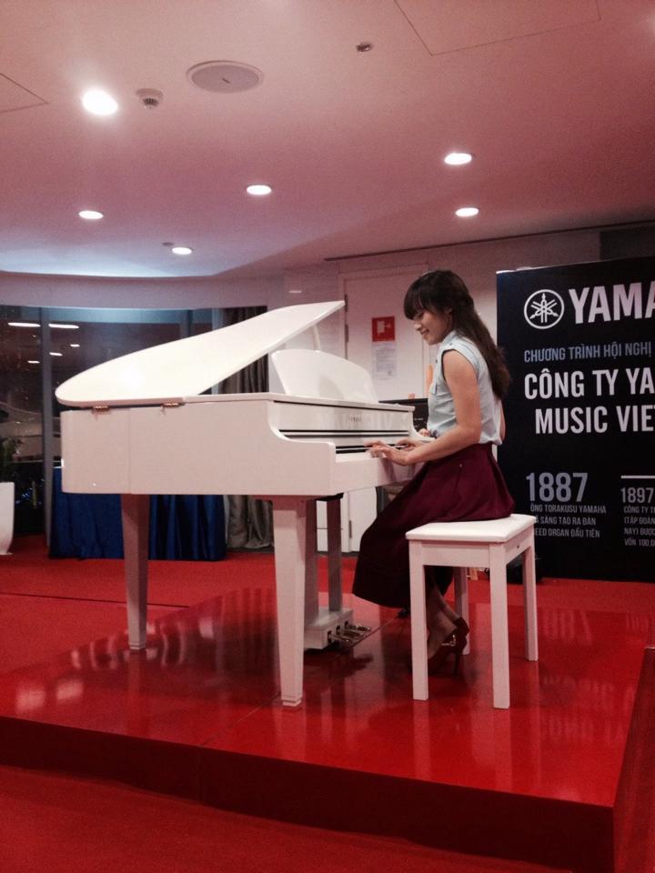 Piano dien Yamaha CLP 565 GP
