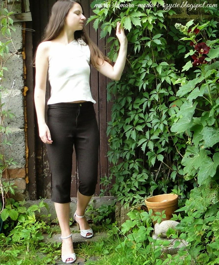 http://maria-tamara-moda-i-szycie.blogspot.com/2013/07/spodenki-za-kolano.html