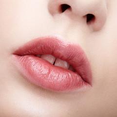 chapped lips,chapped lips remedy,chapped lips cure,dry lips,home remedies for chapped lips,how to get rid of chapped lips,cracked lips,chapped lips treatment,how to treat chapped lips,lips,how to cure chapped lips,dry lips treatment,how to cure cracked lips,how to get rid of dry lips,how to cure dry lips,cure chapped lips,dry lips cure,lighten lips naturally