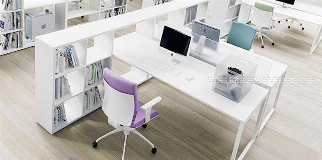 Membeli furniture kantor