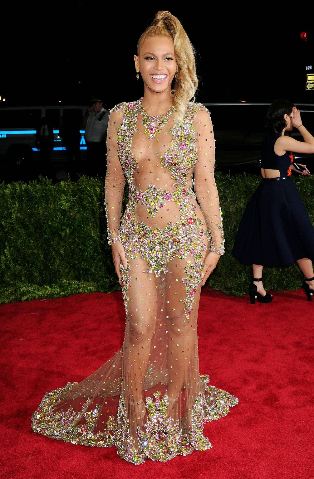 Beyonce bares it all in a Givenchy Couture dress at the 2015 Met Gala