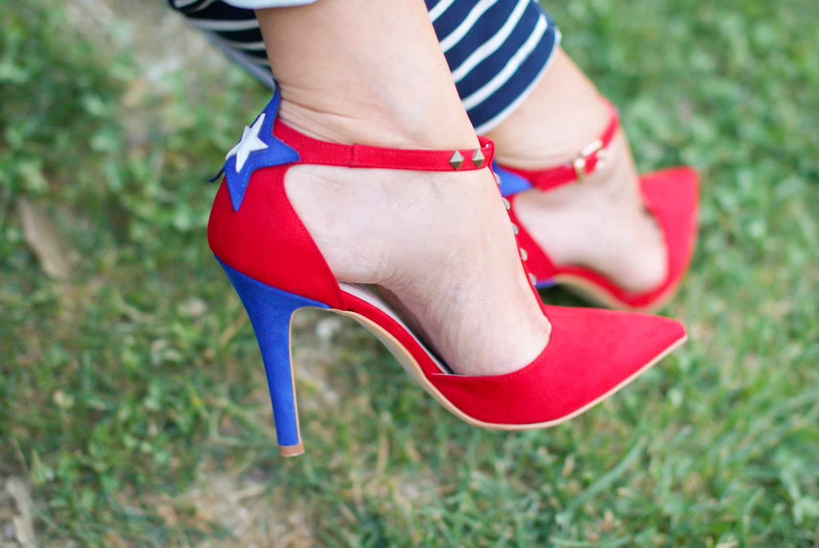 Angela Pavese SuperGirl StayMercury shoes on Fashion and Cookies fashion blog, fashion blogger style