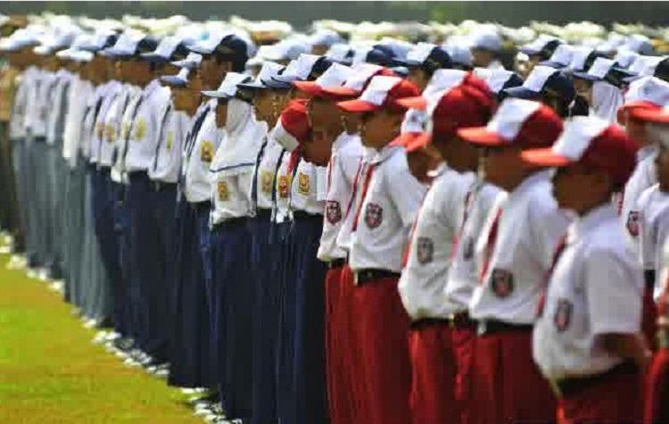 Ketentuan Atribut Pakaian Seragam Sekolah Siswa SD SMP