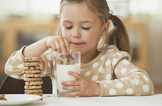 Τι θα γινόταν αν λέγαμε στα παιδιά την αλήθεια για το γάλα;