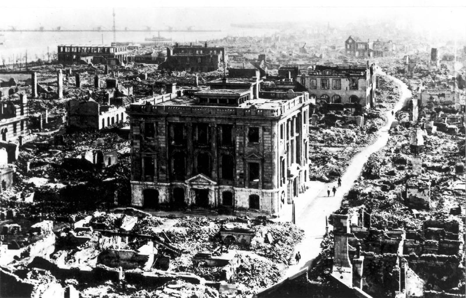 A view of destruction in Tokyo, seen from the top of the Imperial Hotel, which was the only hotel in the region that survived the 1923 earthquake.