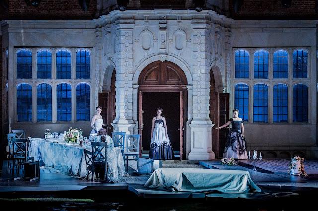Richard Strauss: Ariadne auf Naxos - Laura Zigmantaite, Elizabeth Cragg, Lucy Hall - Opera Holland Park (Photo Robert Workman)