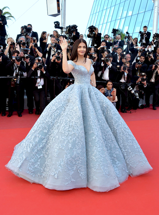 Aishwarya Rai cute stills