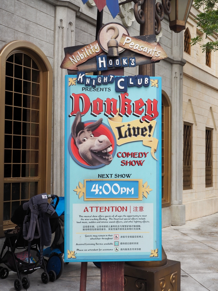 Universal Studios Singapore - Far Far Away Donkey Live! Show   joanne-khoo.com