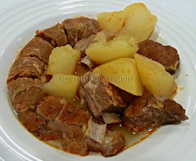 patatas guisadas con chorizo y costillas