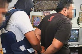 Bahan Letupan IS Dipercayai Untuk Serang Polis