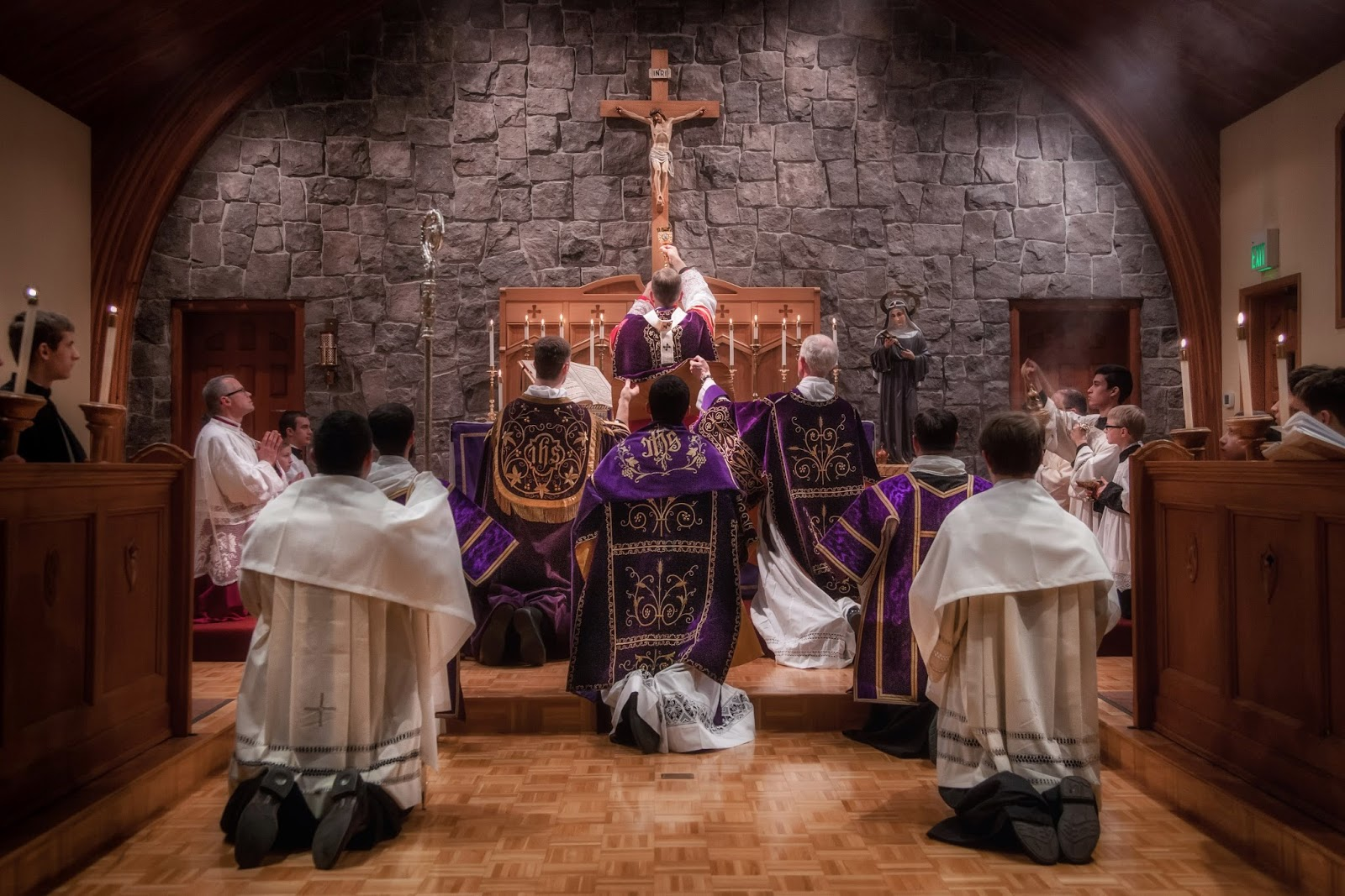 DAILY TRADITIONAL LATIN MASS RETURNS TO THE ARCHDIOCESE OF