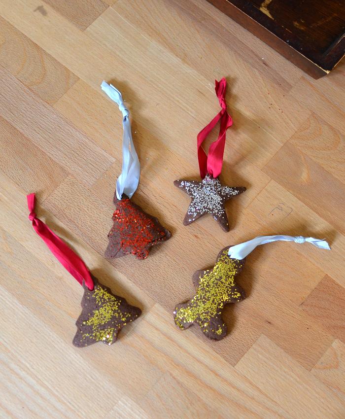 how to make cinnamon Christmas ornaments