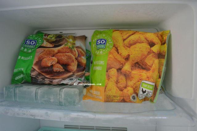 Menyajikan Menu Piring Gizi Seimbang Untuk Menu Makan Keluarga