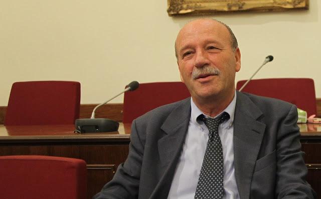 Προκλητική δήλωση του διοικητή του ΟΑΕΕ: Να πάει στη Βουλγαρία όποιος δεν μπορεί να πληρώνει εισφορές