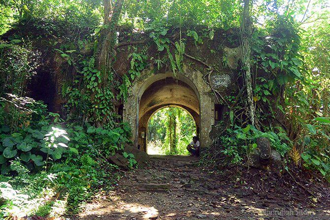 Gerbang Benteng Karang Bolong Nusakambangan