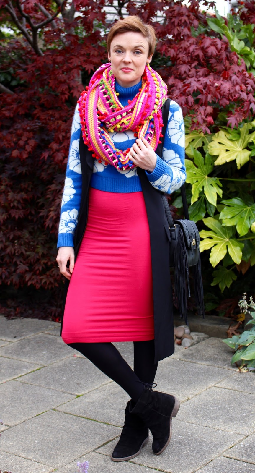 Oversized scarf | Mixing bright colours together | Fake Fabulous