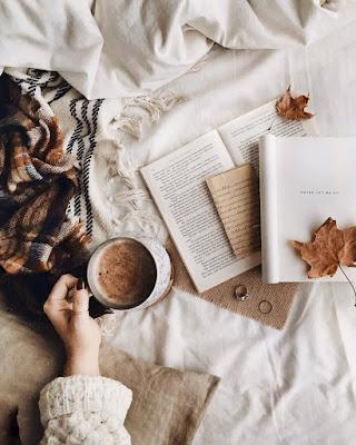 fotos tumblr con libro casuales