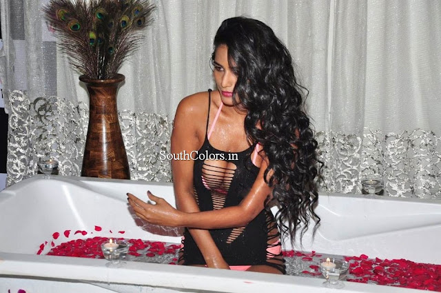 Poonam Pandey The Weekend Hot Photoshoot