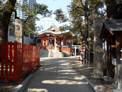 鶴見神社注連柱