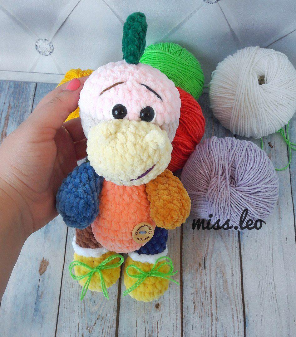 Free Dinosaur Amigurumi Crochet Pattern - Daisy and Storm | 1080x948