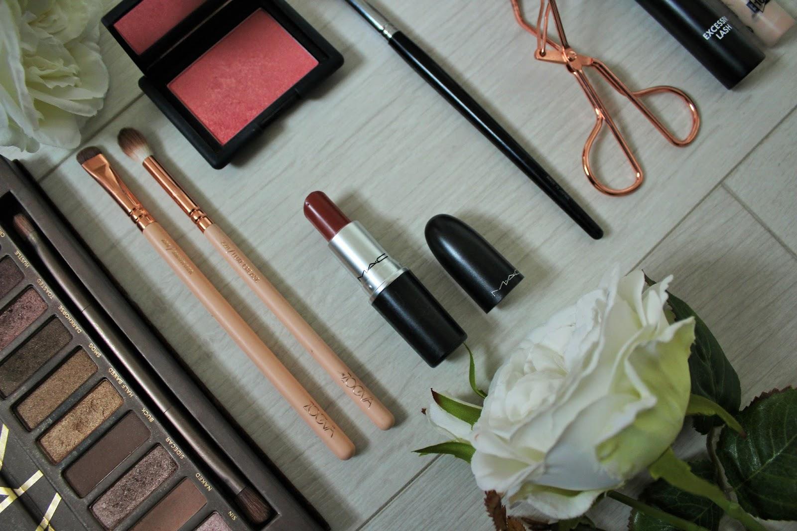 Emma Stone Oscars Inspired Makeup Look - 8