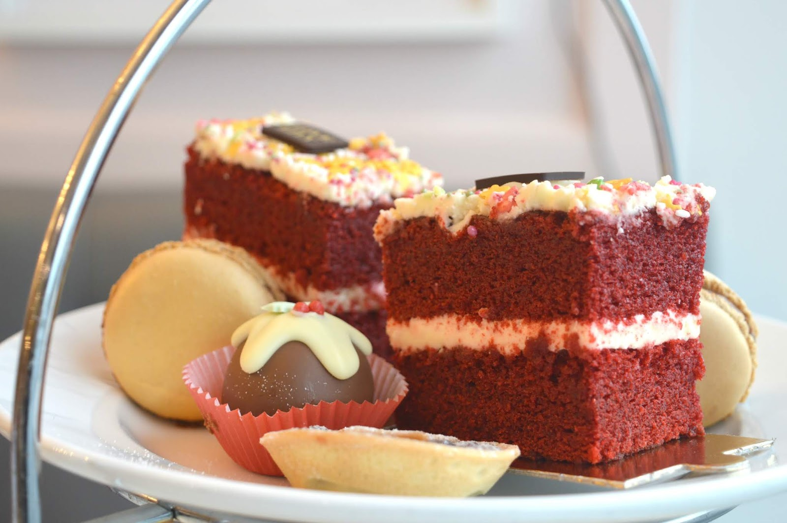 Christmas Afternoon Tea Love Lily - Cake Tier