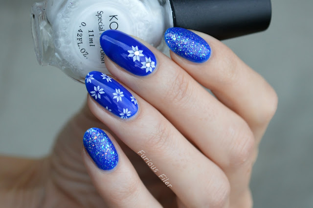 winter christmas snow sparkle blue jelly nails