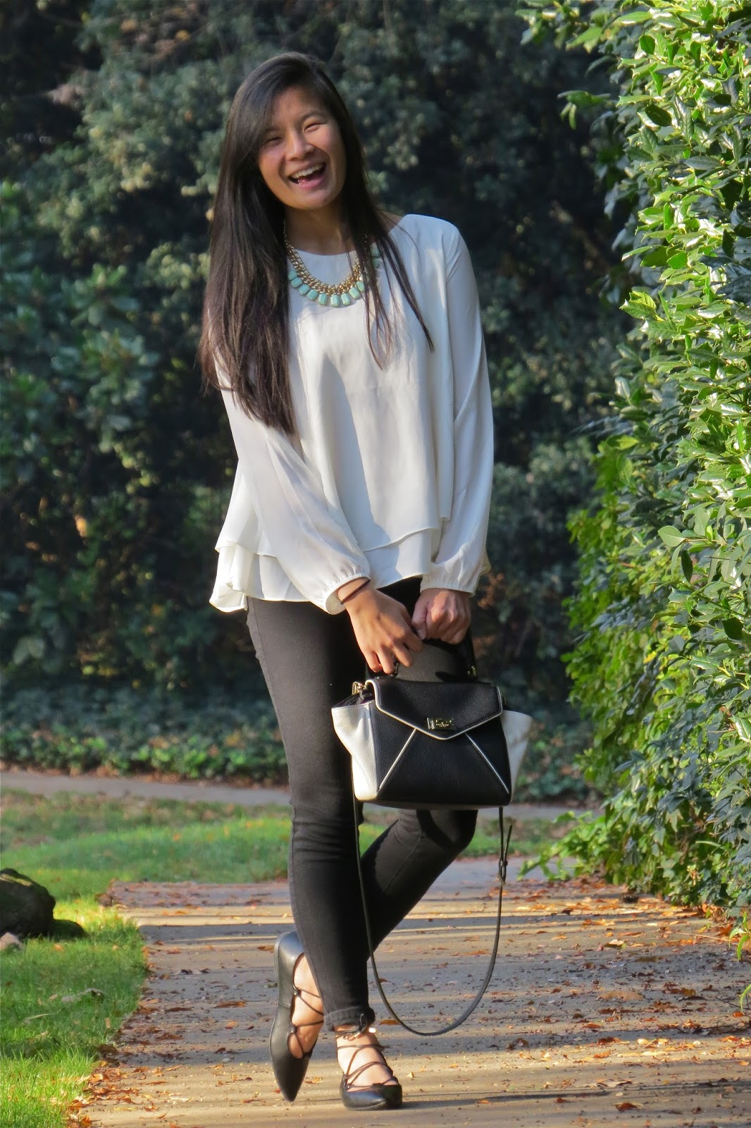 How_to_style_a_black_and_white_outfit