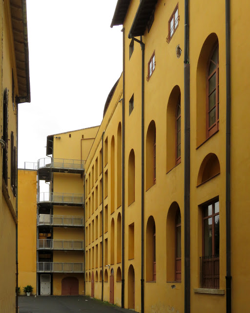 The courtyard of the Goldoni theater, Via Mayer, Livorno