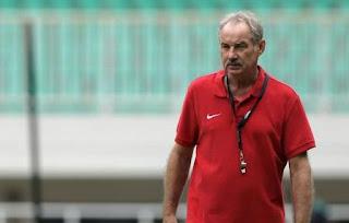 Alfred Riedl Siap Menjadi Pelatih Persib Bandung