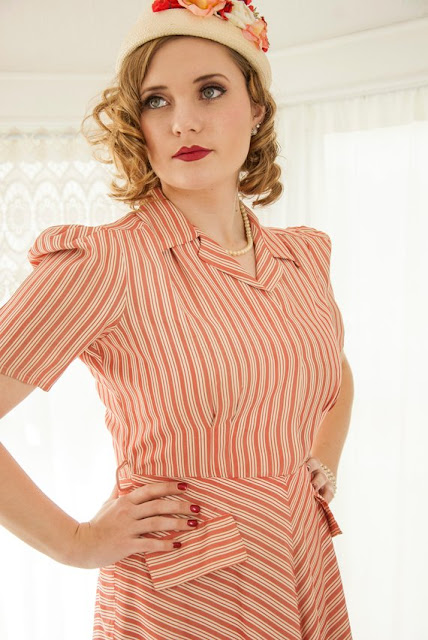 https://www.etsy.com/listing/625444768/vintage-1940s-red-striped-dress-white?ref=shop_home_active_40