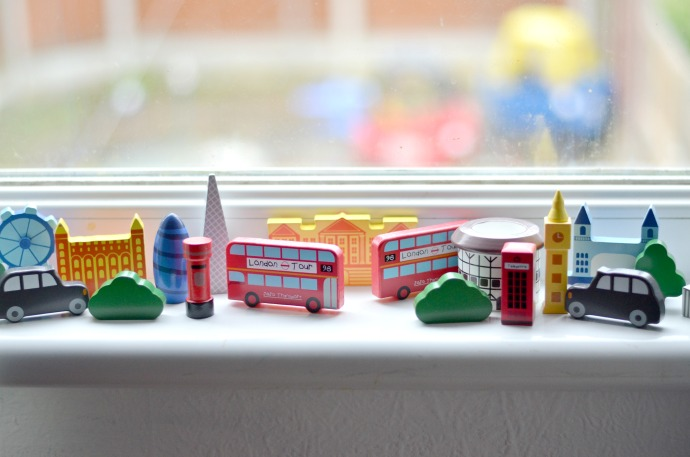 London themed kids room, London themed nursery
