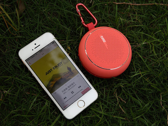 XiaoMi MiFa Outdoor Bluetooth 2.1 + EDR Speaker