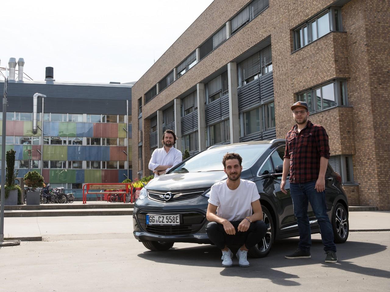 Ένα αυθεντικό οδοιπορικό #AMPventure στην Ευρώπη με το ηλεκτροκίνητο Opel Ampera-e