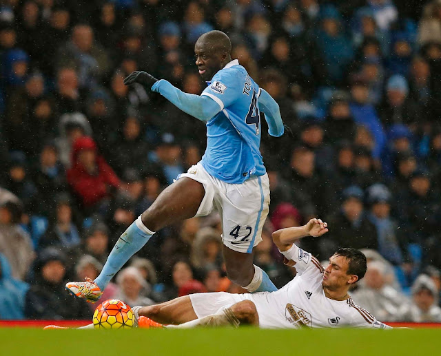 Yaya Toure Apologises to Manchester City