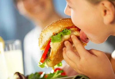 keep-healthy-options-first-to-distract-kids-from-junk-food