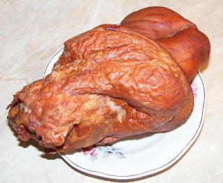 ciolan de porc afumat, carne de porc, porc, carne de porc afumata, retete cu porc, preparate din porc, retete, retete culinare, ciolan de porc afumat natural romanesc,