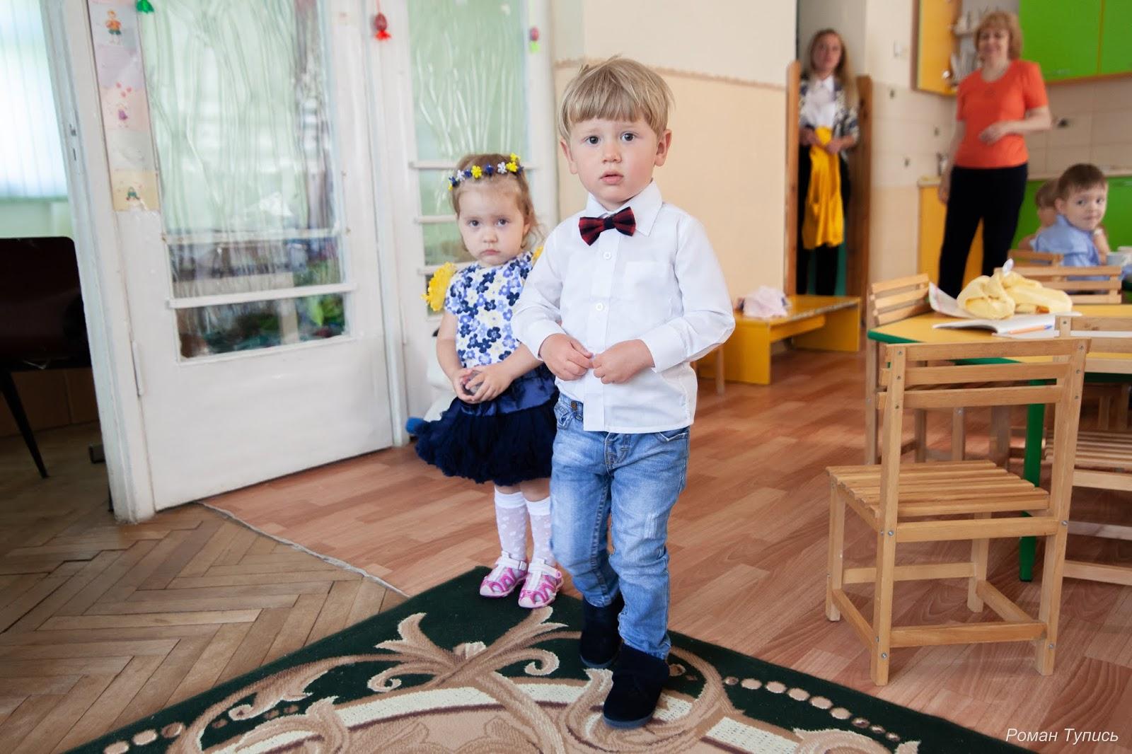 Дівчаточка-красуньки показали свої чудові платтячка  ) d1bb997a21305
