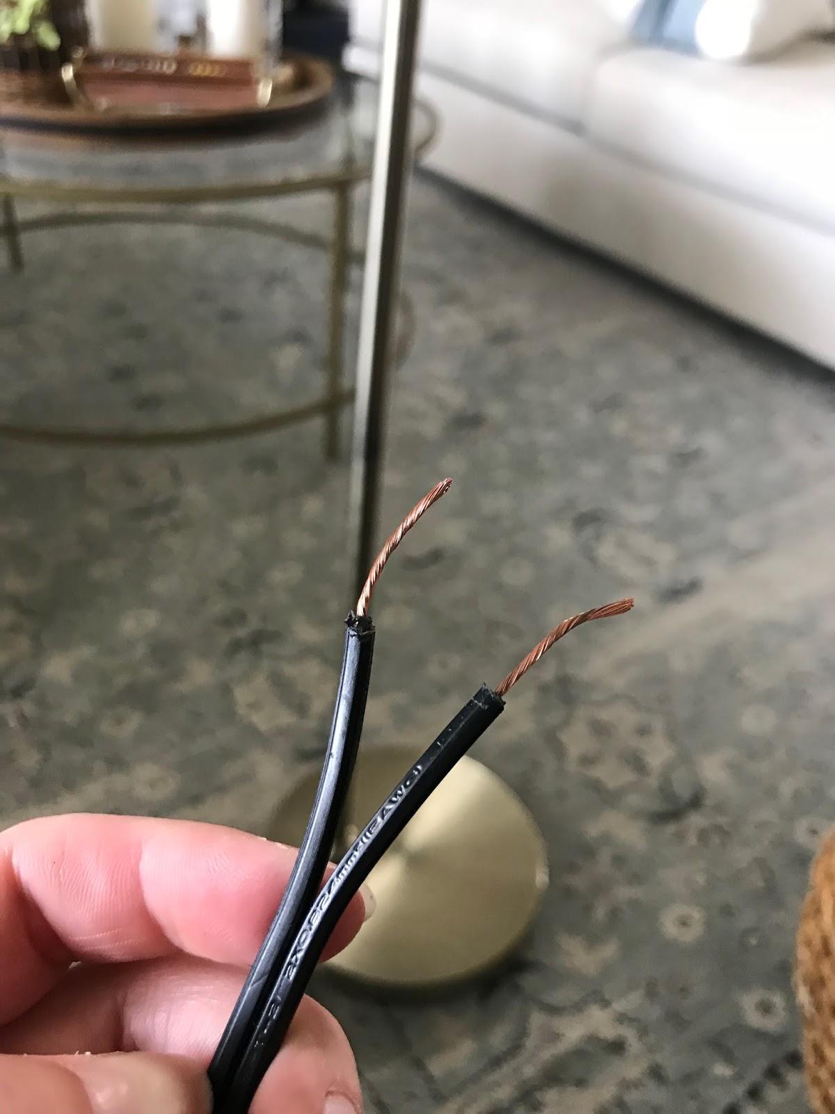 Simple fix to repair a broken lamp plug