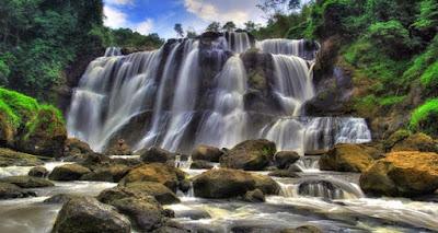 Bandung mempunyai keindahan alam yang begitu tepat sehingga sangat sayang bila dilewatk 10 Tempat Wisata Alam Di Bandung Yang Wajib Dikunjungi
