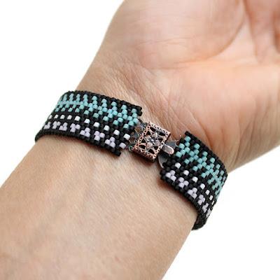 купить Оригинальный браслет из бисера. Украшение в этно-стиле