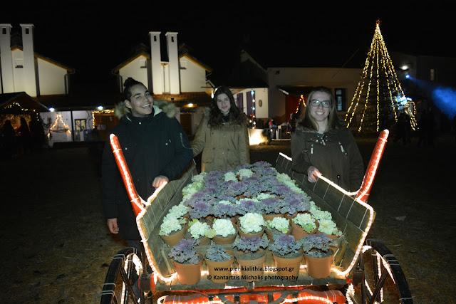 Οι εθελοντές του Χριστουγεννιάτικου Χωριού του Κόσμου. (ΦΩΤΟ 28-12-16)