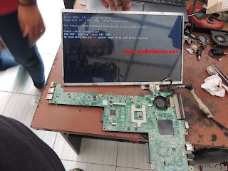 Service Laptop Toshiba Satellite C800 Blank