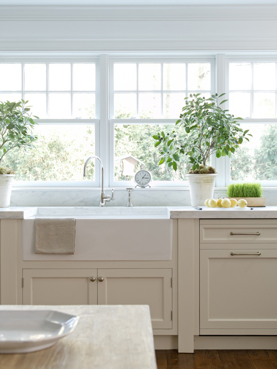 White Kitchen Farmhouse