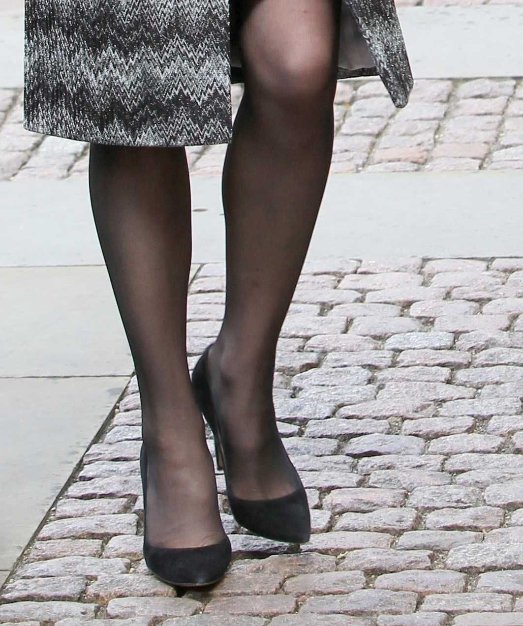 Celebrity Legs and Feet in Tights: Kate Middleton`s Legs ...