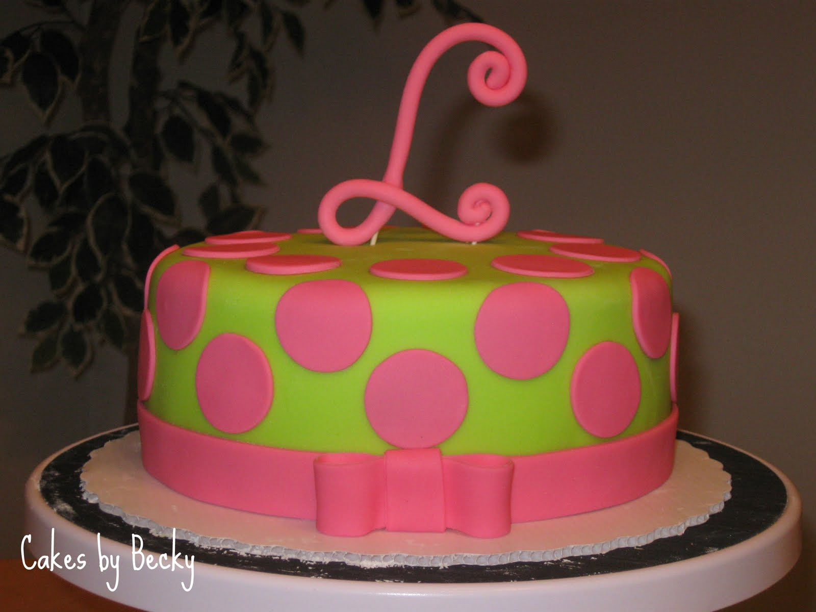 I Just Loved The Way This Cake Came Together Birthday Requested Pink Green And A Curly L For Topper Her So That S Exactly What She Got
