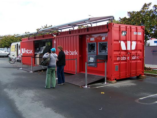 bank dengan menggunakan container