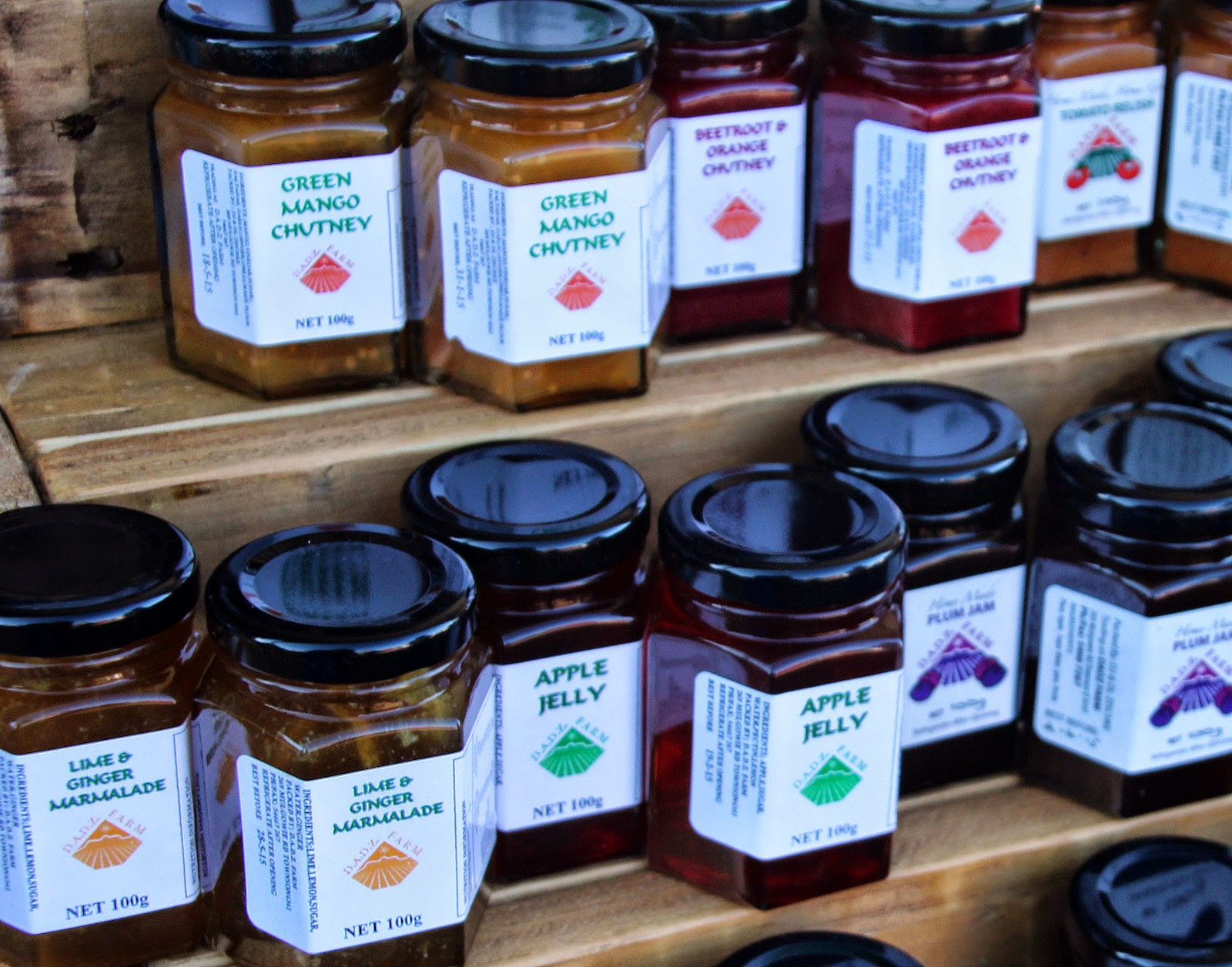 More than 10 top produce markets in Brisbane