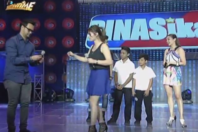Angel Locsin Shows Off Her Hidden Talent - Balancing A Pen On Her Nose While Dancing!   Tag: Angel Locsin Ipinakita Ang Kanyang Pinakatago-Tagong Talento! Alamin Kung Anong Talento Ito!